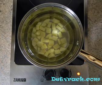 сварить картошку для ребенка